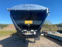 2022 Trout River Tridem Live Bottom