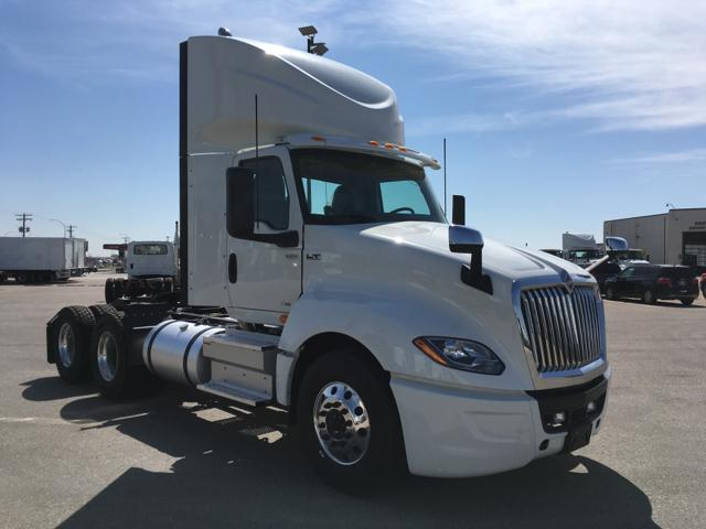 2019 International LT625 Daycab